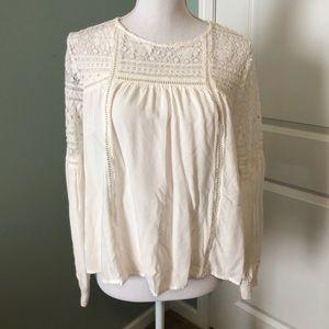 Women's BANANA REPUBLIC lacy blouse size 6